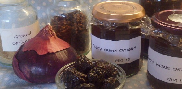 Fruity Prune Chutney